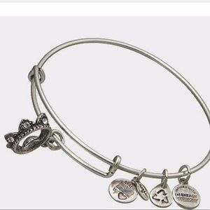 Alex and Ani Queen's Crown Bangle Bracelet